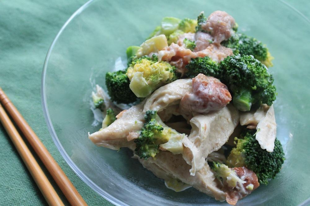 <節約レシピ>簡単!レンジで作るサラダ 鶏ささみとブロッコリーの梅サラダ